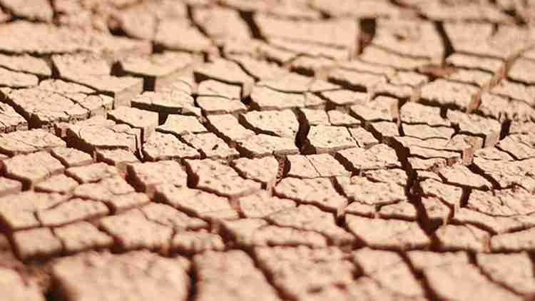 terrenos expansivos producen grietas